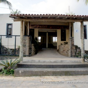 Fachada do Hotel Petit Village