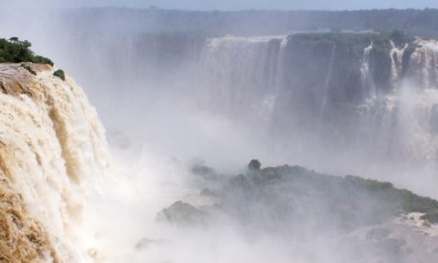 Conhecendo e sentindo as Cataratas do Iguaçu